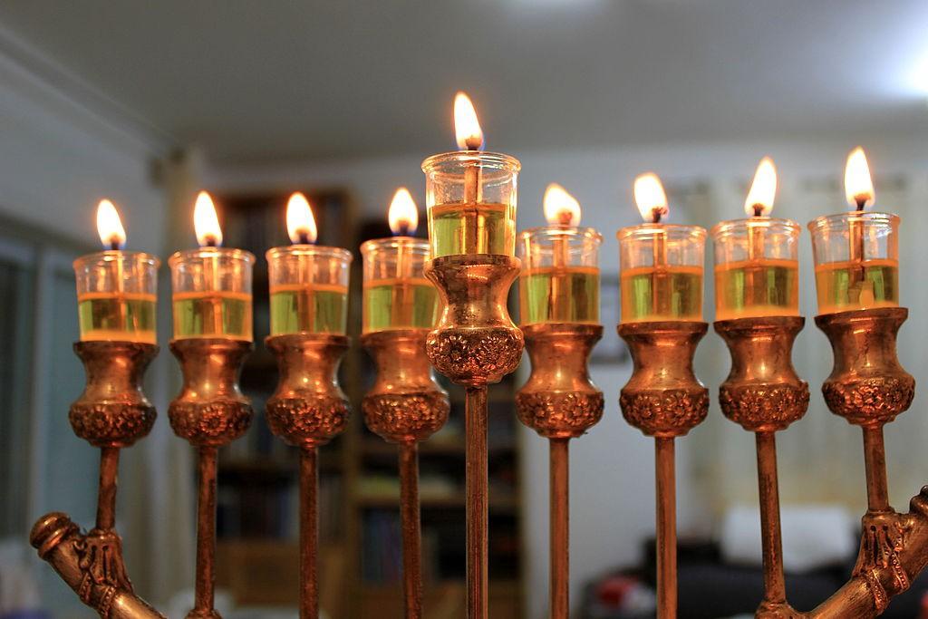 Hanukkah_(15471646504)